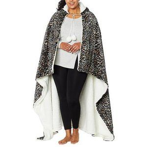 Soft & Cozy Leopard Hooded Throw Blanket